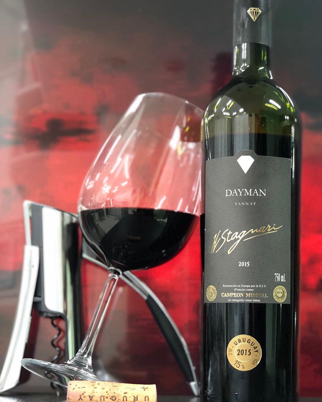 Dayman 100 Tannat 2015 Da Stagnari La Puebla Canelones Uruguai Degustado Em Agosto 2019 Delicioso Tannat Cor Ru Red Wine Alcohol Alcoholic Drinks