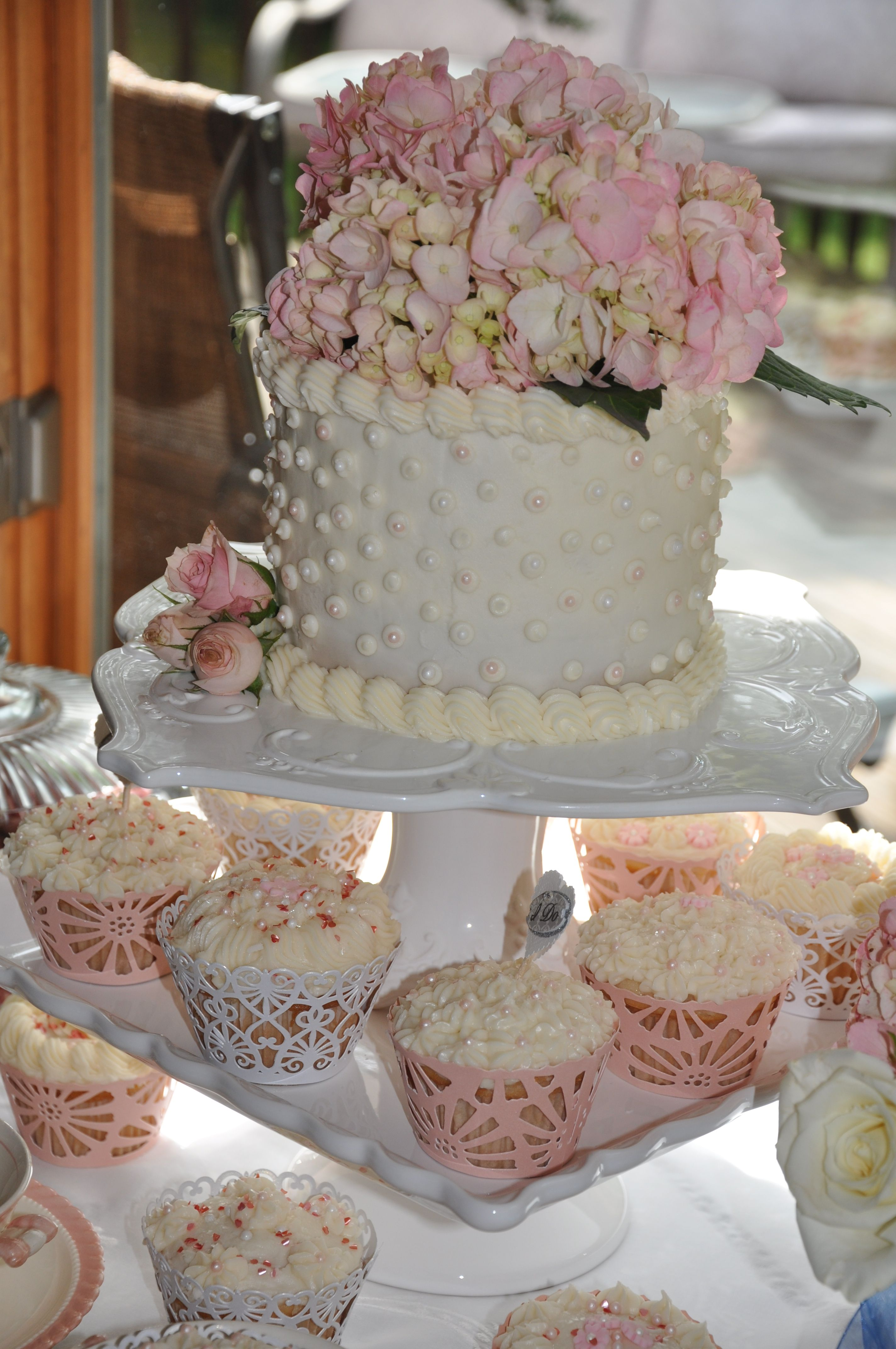 21 Gorgeous Bridal Shower Cakes You (and Your Guests) Will
