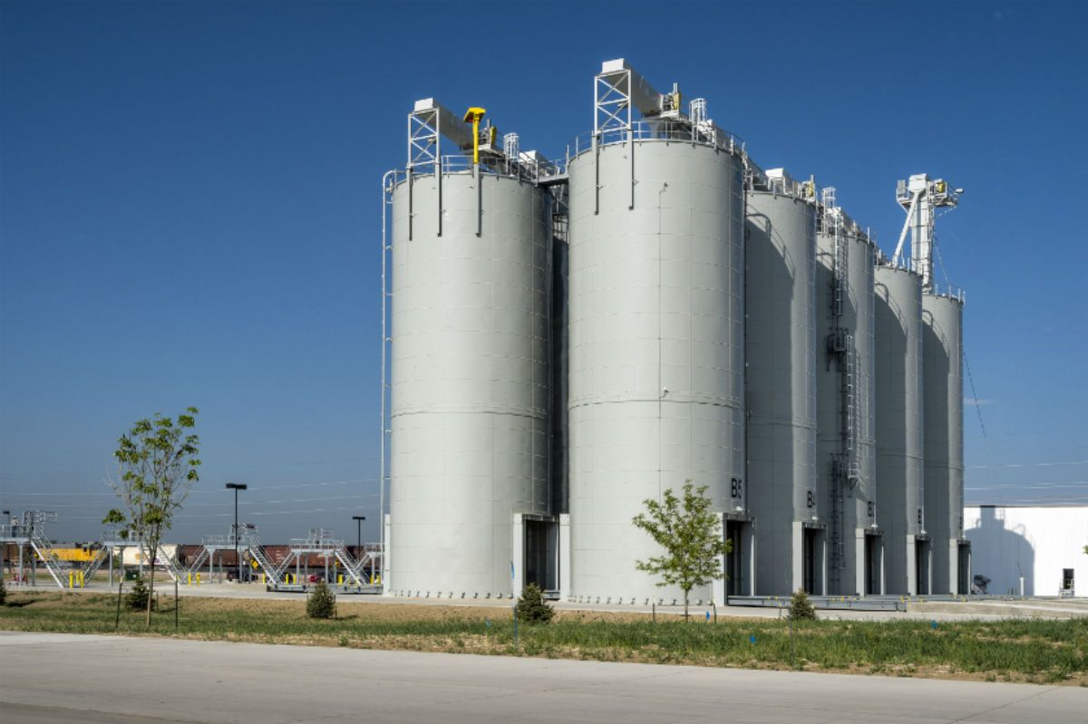 Silo Storage Construction Companies In Dubai Uae Offered By Us Is A Wide Set Of Storage Silo Construction Services To The Patrons We Construct Storage Sil