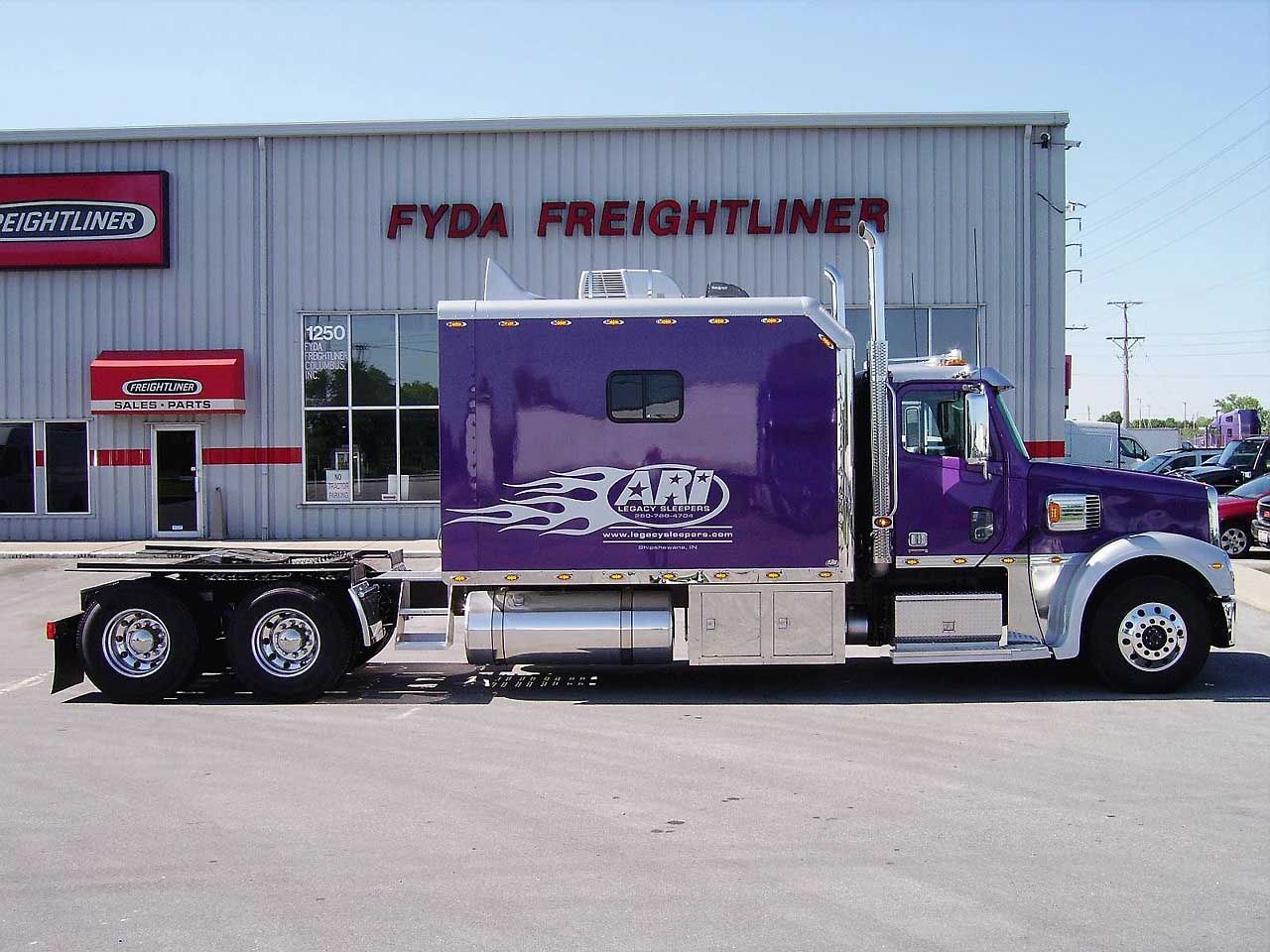 Trailer Truck Semi Pimped