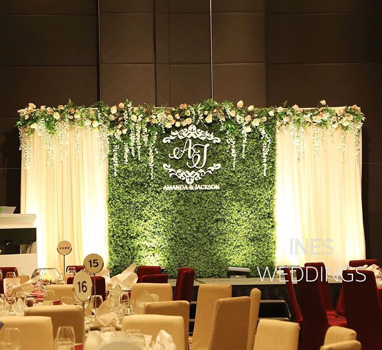 "Ines Weddings Event Decoration on Instagram: ""#greenery ☘️backdrop brighten your #wedding banquet . . #decoration #flowerarrangement #grasswall #flowerwall #hkwedding #hyattshatin…"""