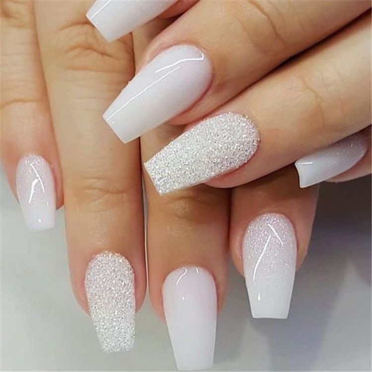 Trendy Winter Acrylic Glitter Coffin Nail Designs For The Coming Christmas And New Year Winter Glitter Nails Acrylic White Acrylic Nails Coffin Nails Designs