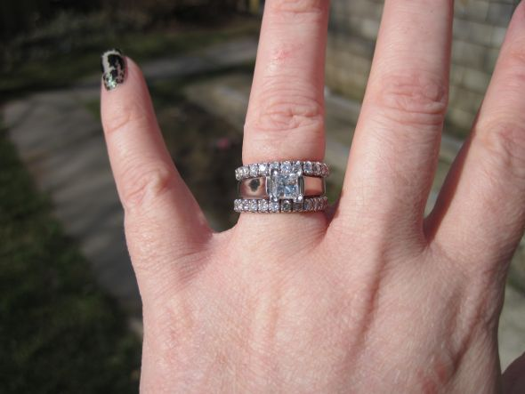 Do Any Of You Bees Wear More Than One Wedding Band With Your Engagement Ring I Really Like The Idea Stacking Bands E