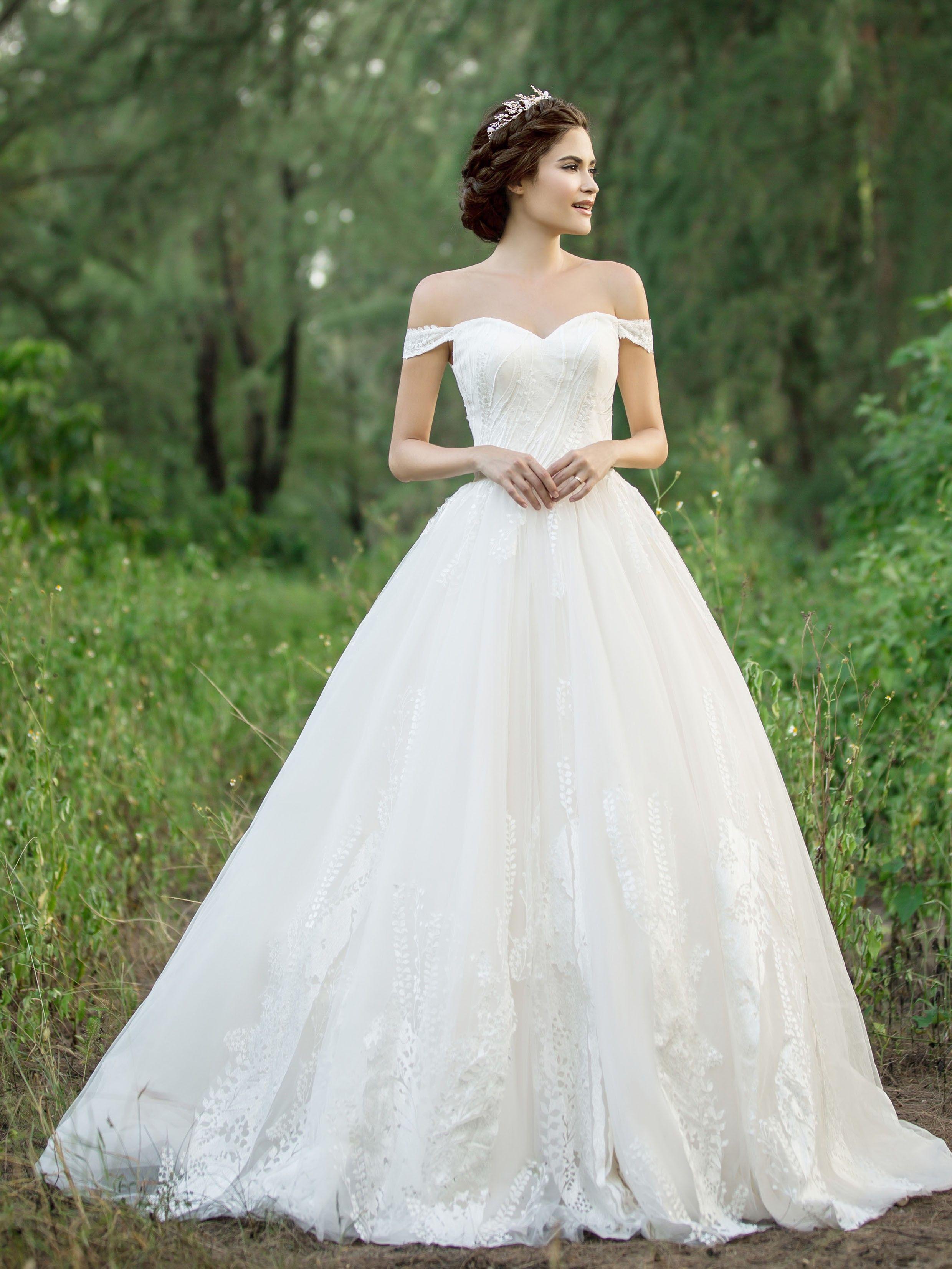 Pin On Wedding Dresses [ 3306 x 2480 Pixel ]