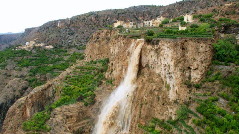 الجبل الأخضر بمدينة نزوي في عمان Oman Tourist Natural Landmarks
