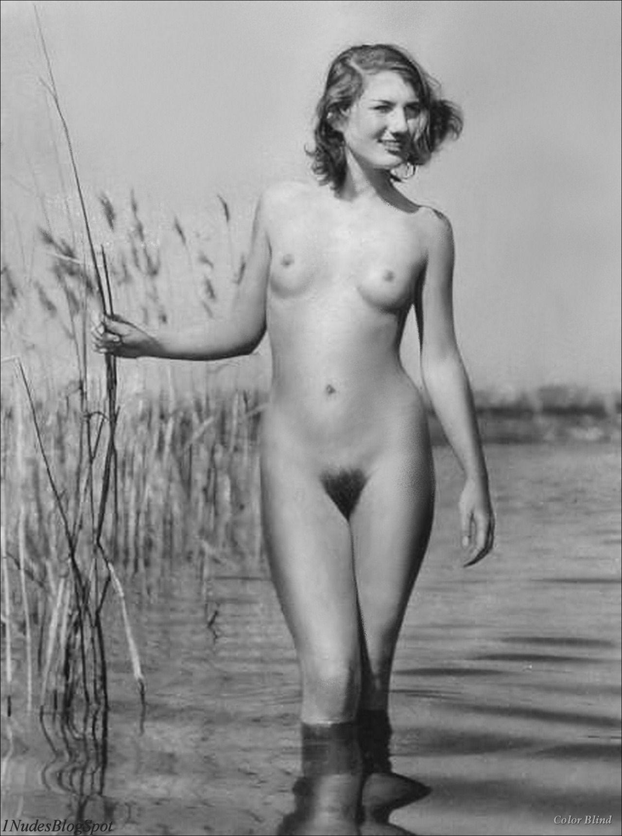 selfie girl naked pics