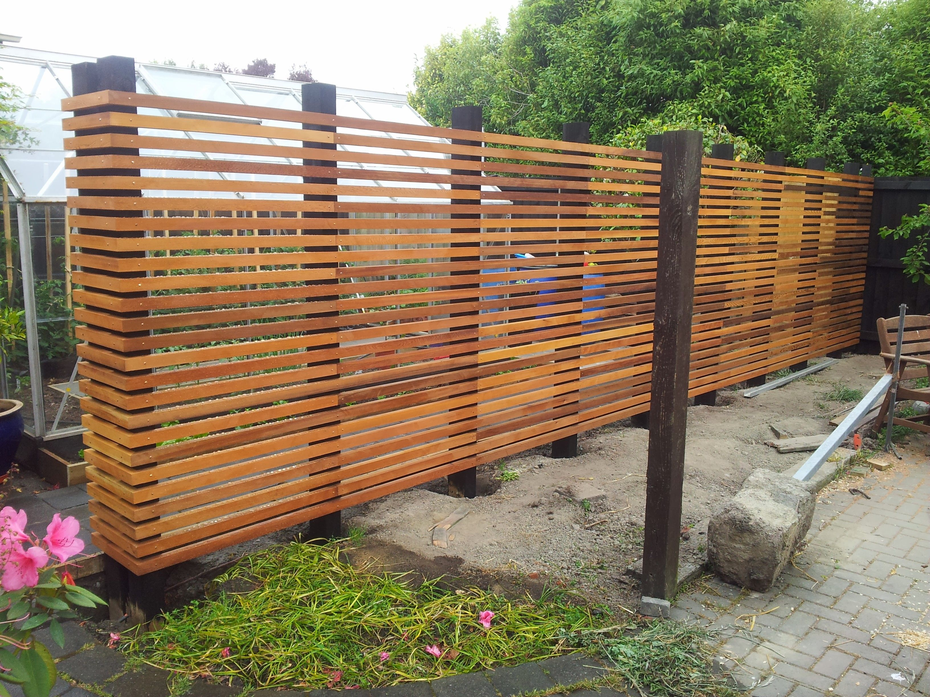 love this diy fence beautiful idea for a smaller greenbelt to peek through to the