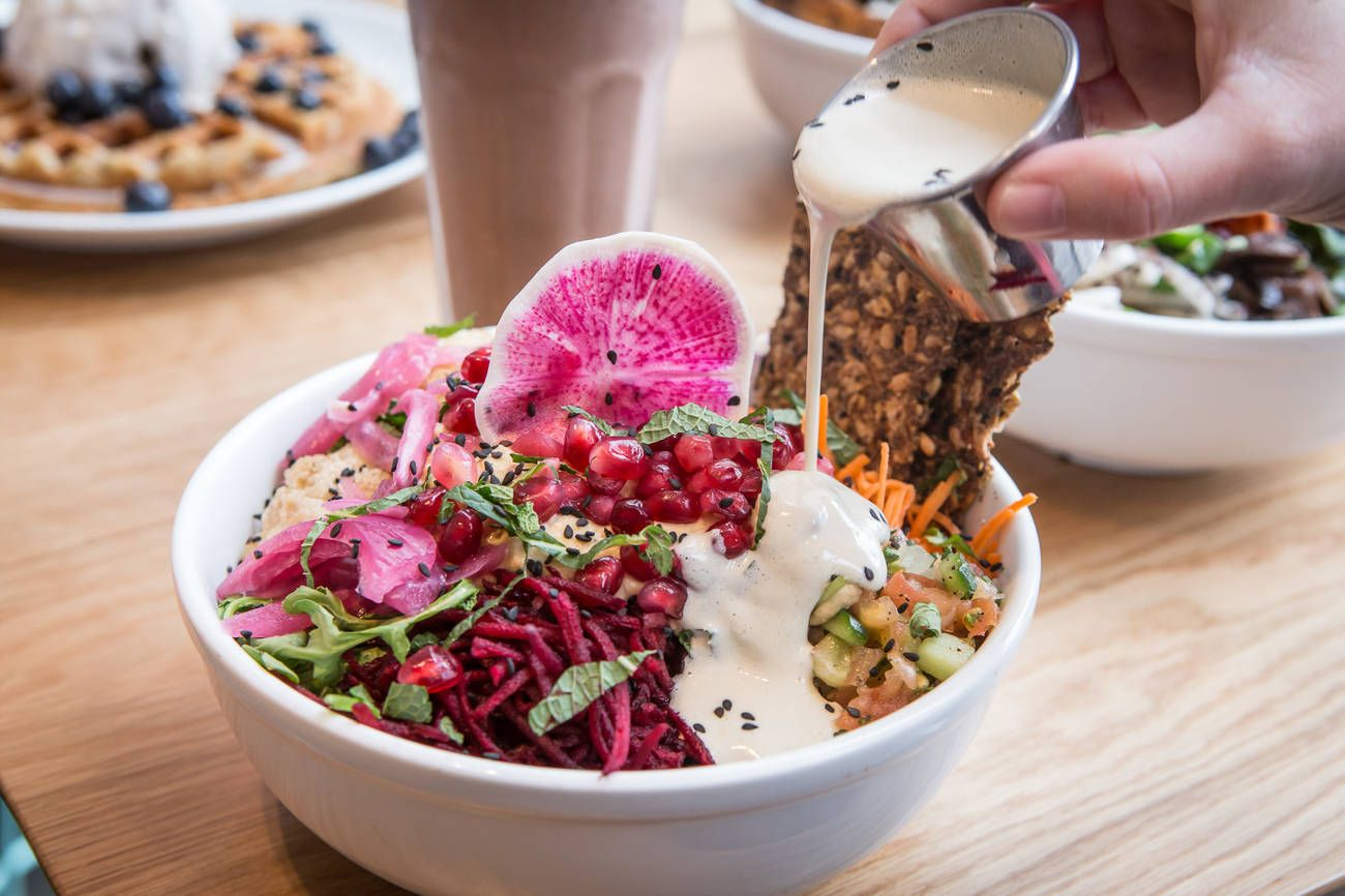 Popular Toronto Vegan Chain Expanding In A Big Way With Images Vegan Take Out Vegan Toronto Restaurants