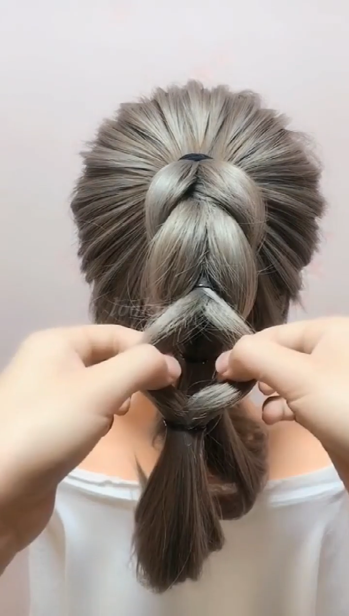 You can learn this hairstyle #coiffure