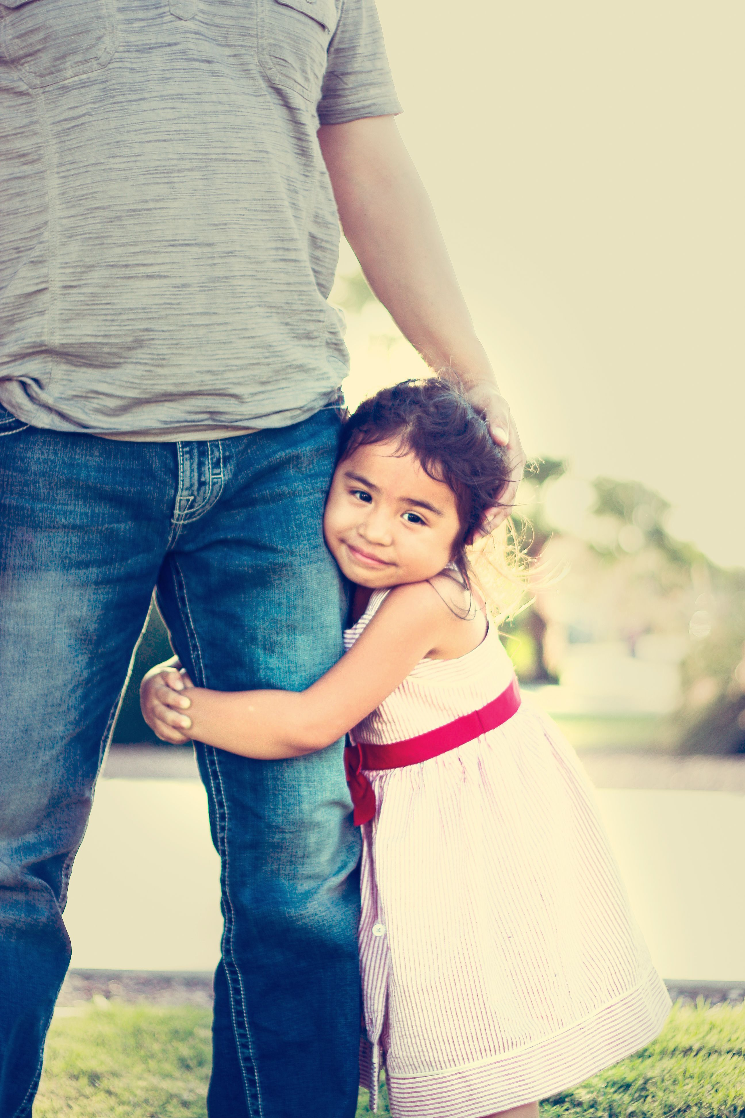 Closeness Dad Daughter Dad Son And Dads - Mother captures childhood joy photographs daughter