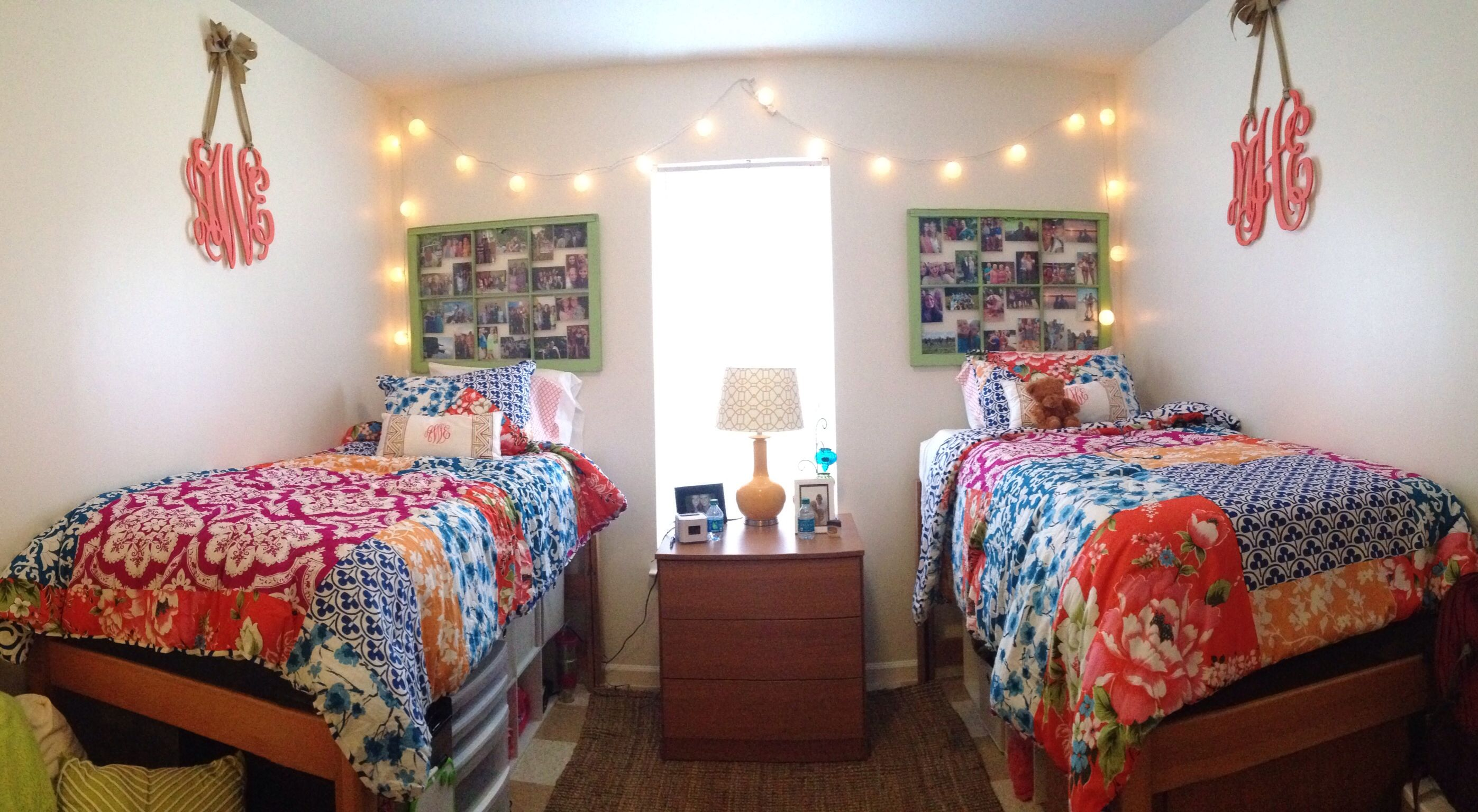 Cute College Dorm Room At Georgia College And State University Gcsu College Dorm College Dorm Rooms Georgia College Dorm Room