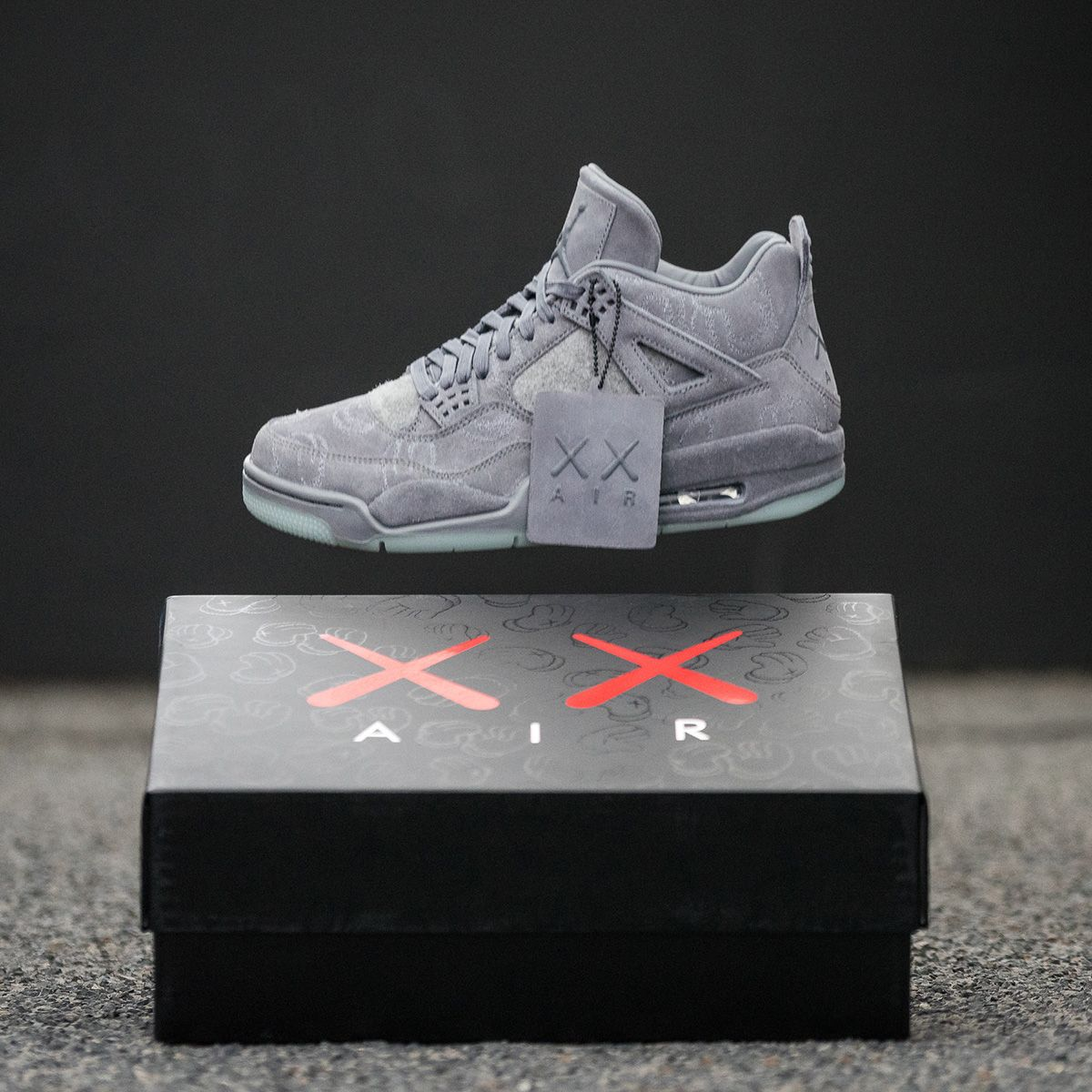 sports shoes 010ba 56614 KAWS x Air Jordan IV Retro - EU Kicks Sneaker Magazine