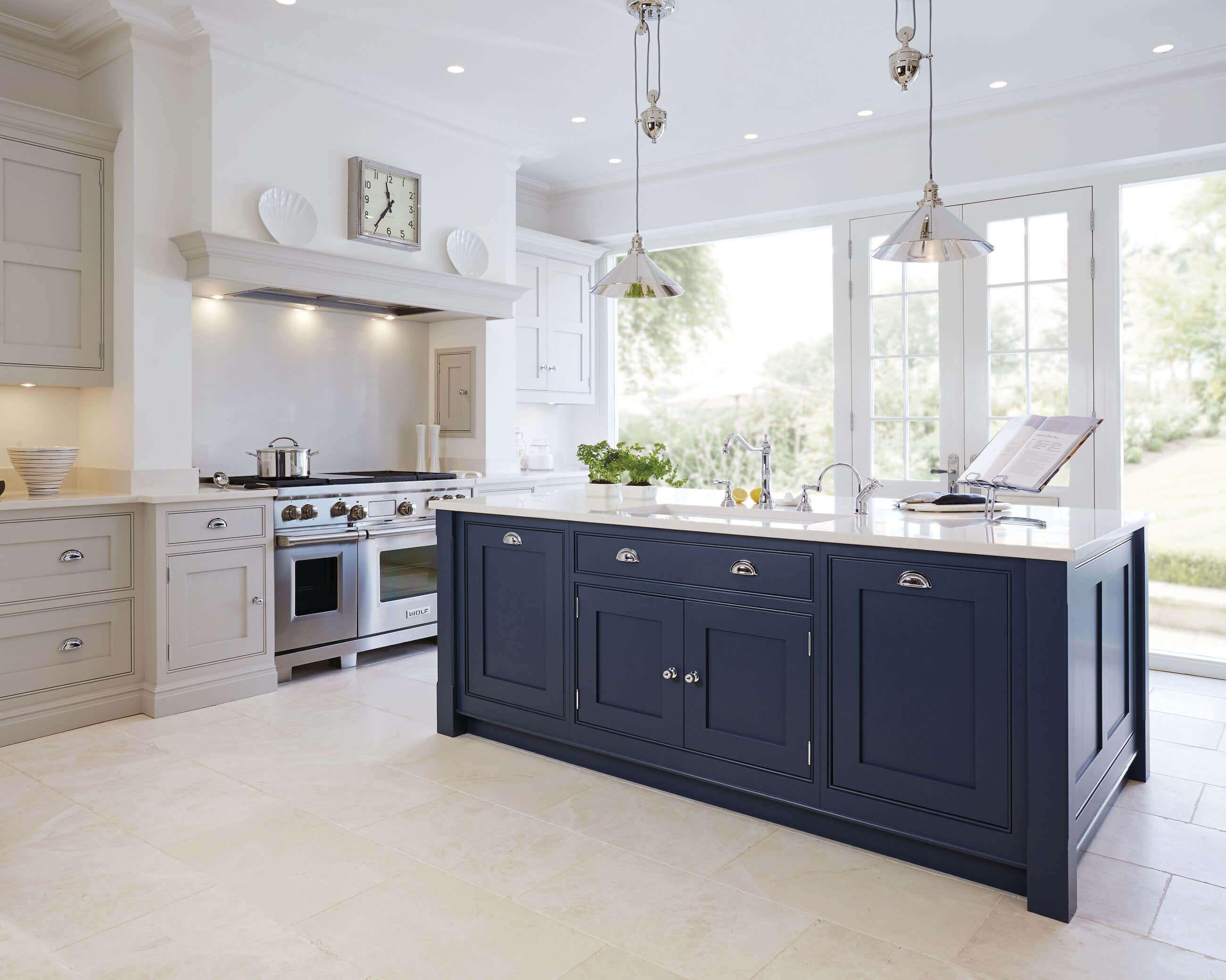 Best Howdens Navy Kitchen Inspiring Kitchen Trends For 2018 400 x 300