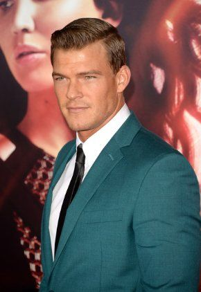 Alan Ritchson In Teal Height 188 Cm 6 Feet 2 Inches Weight