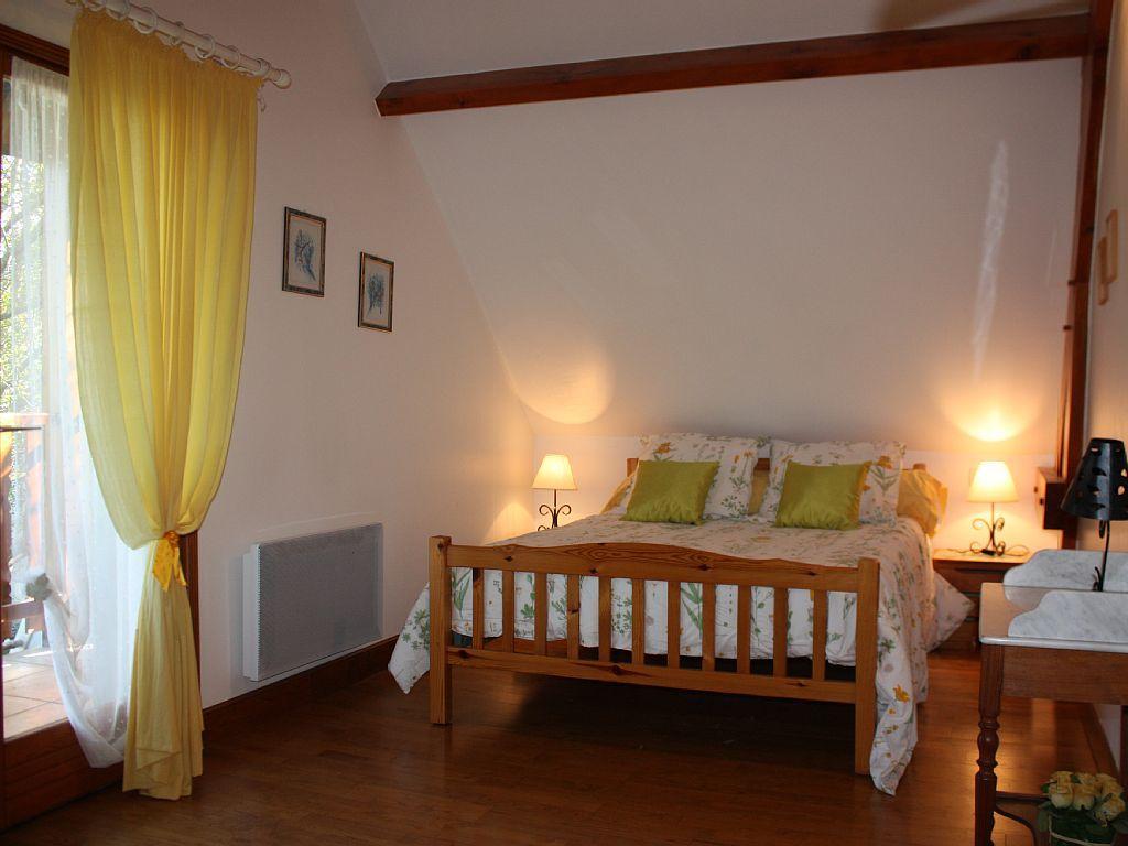 Location vacances chalet Argeles Gazost: Chambre parentale (avec balcon) - Master's bedroom with balcony