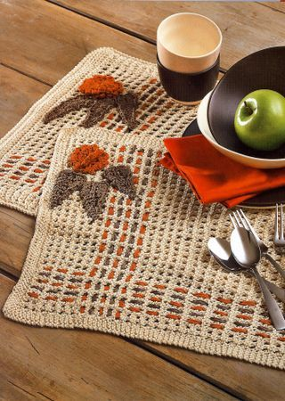 woven placemats - like that the interior is airy