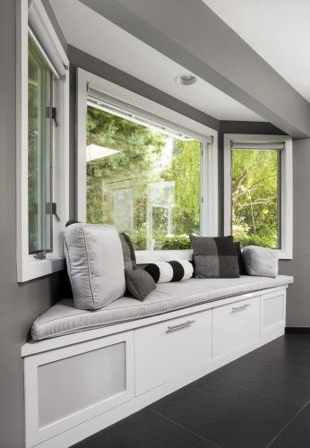 Cute Bay Window Seat I Ve Always Wanted A Bay Windo Seat Since I Was Little And Watched Saved By The Bell Home Decor Bedroom Dining Room Windows Home