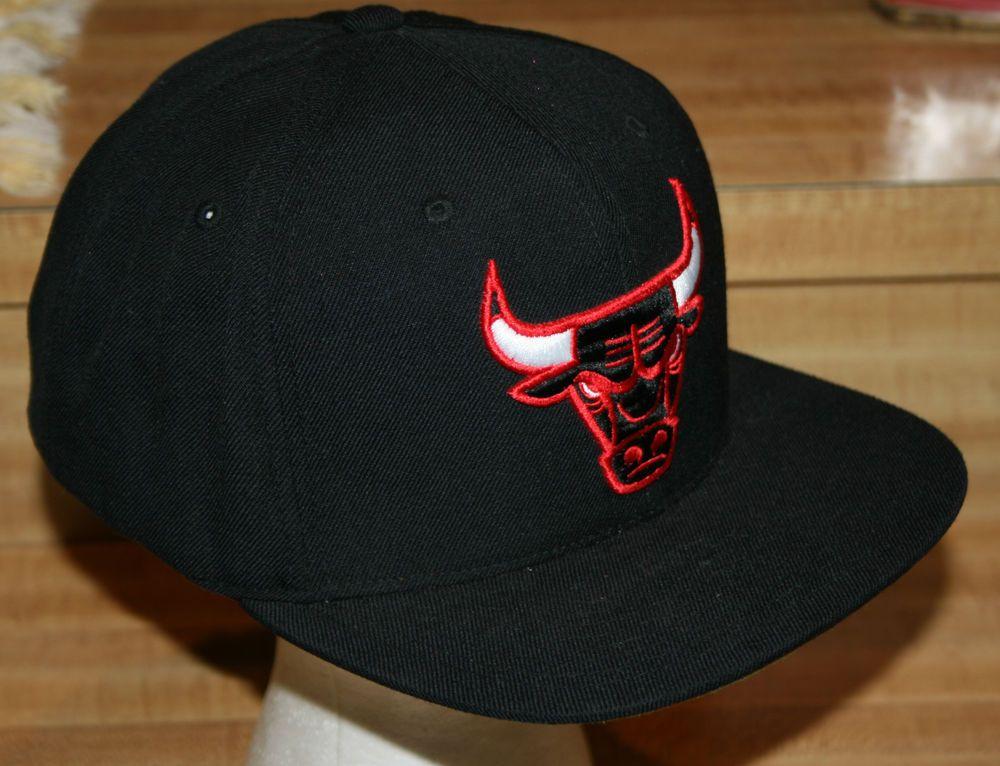 270da3457712d Chicago Bulls Snapback Mitchell and Ness Wool Cap Hat