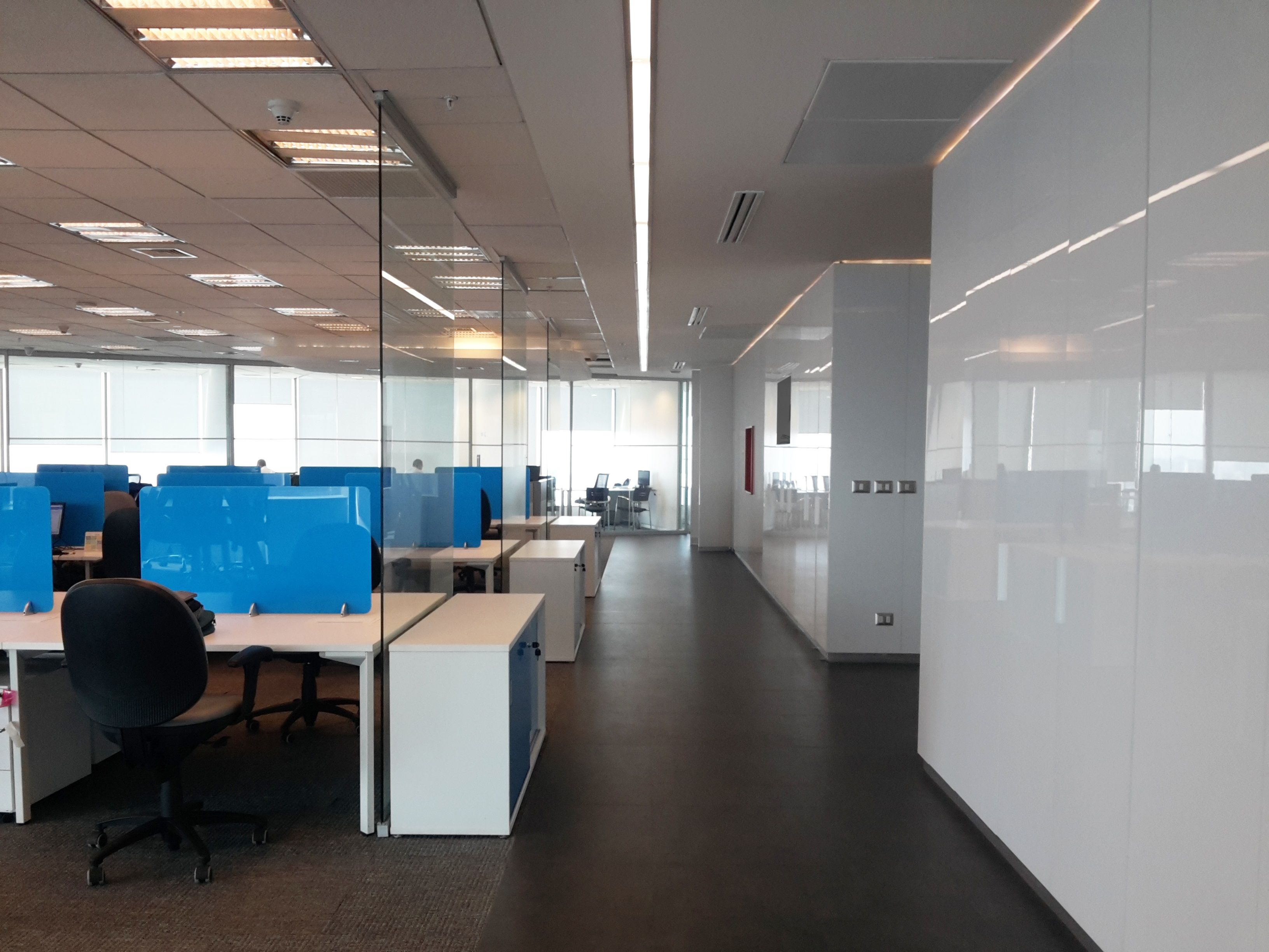 modern office look. Use RAUVISIO Brilliant High-gloss To Create A Modern Office Look. #interiordesign # Look