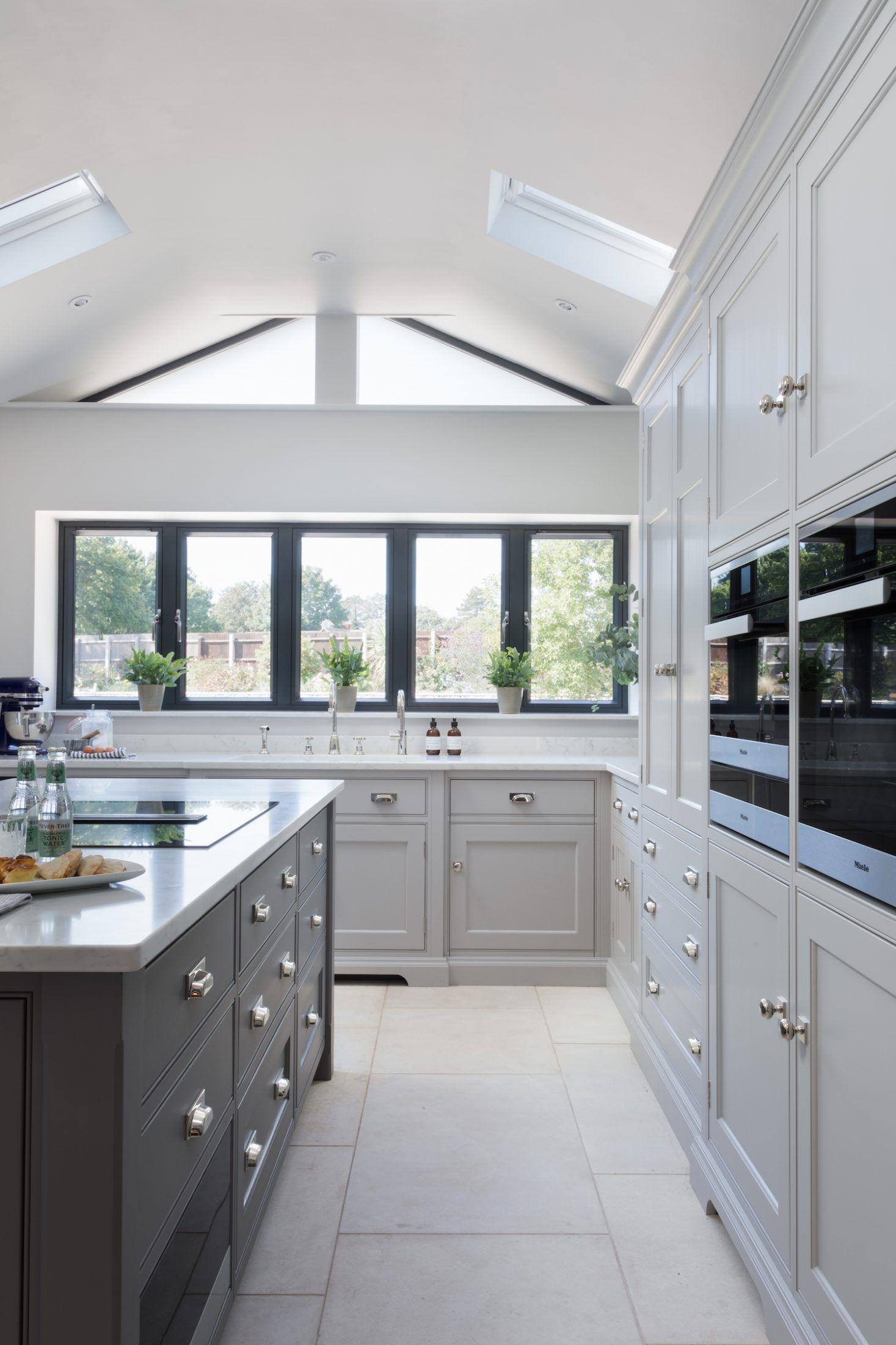 Classic Contemporary Kitchen Ingatestone Essex Humphrey Munson