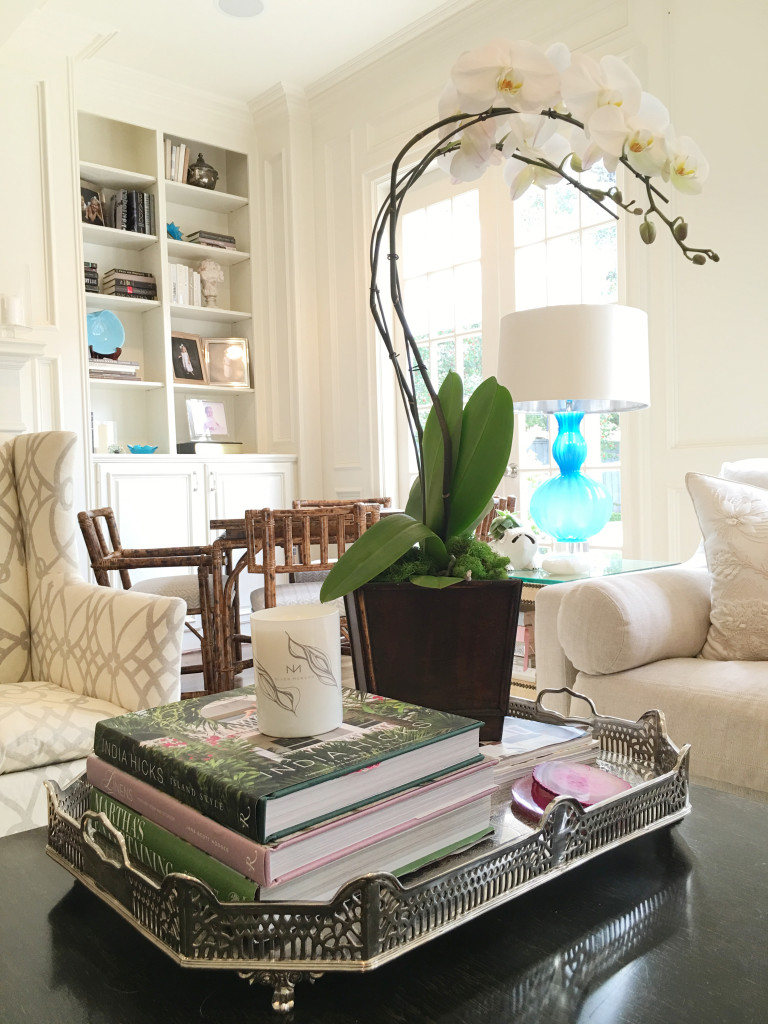 10 Easy Coffee Table Decoration Ideas To Complete Your Room Decor Decorating Coffee Tables Cool Coffee Tables
