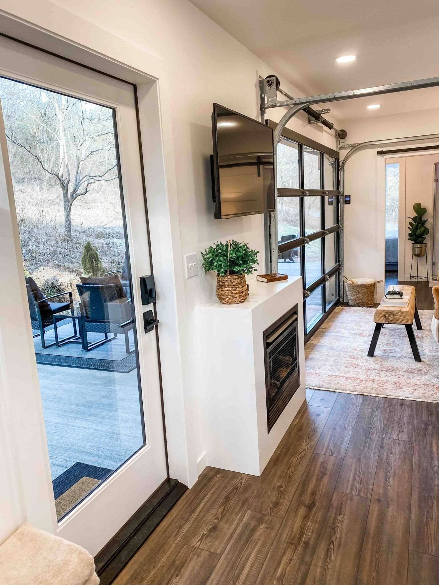 The Lily Pad Cozy Container Home In 2020 Container House