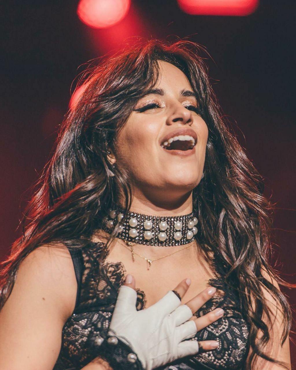 Camila Cabello Na Nbts Tour Do Brasil 2018 Bebe Camz O Sorriso