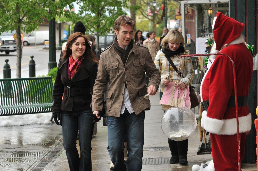 6 Hallmark Christmas Movies Filmed In Real-Life Small Towns | Hallmark christmas movies ...