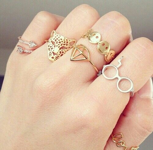 Pin By Ani Sal On Accesories Gold Jewelry Simple Simple Jewelry Jewelry