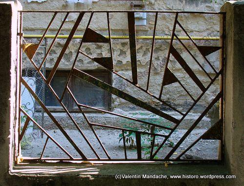 Art Deco Metal Railing … Art deco, Railing design