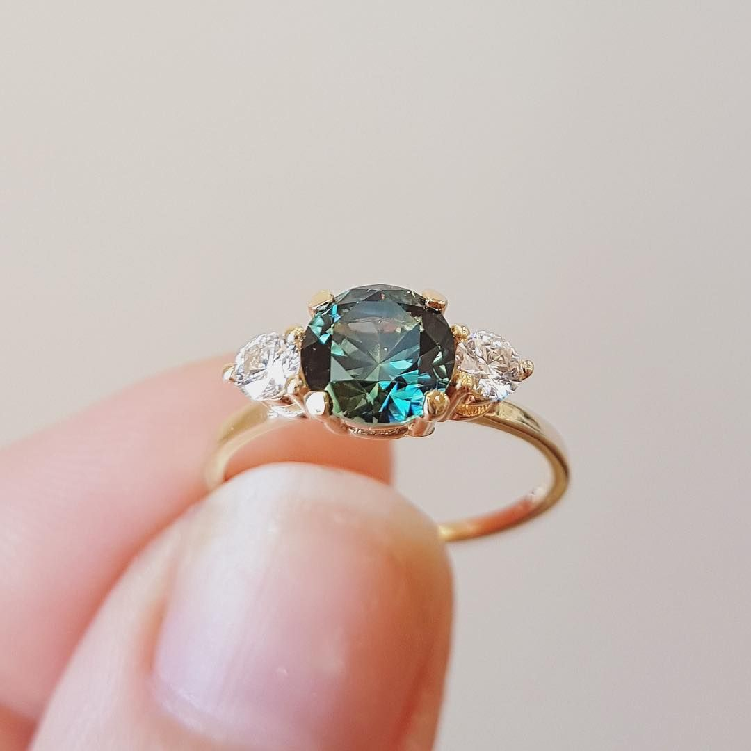 SVC-JEWELS Unique Twisted Round Cut White Diamond /& Green Tourmaline Engagement Ring for Women in 14K Yellow Gold Plated