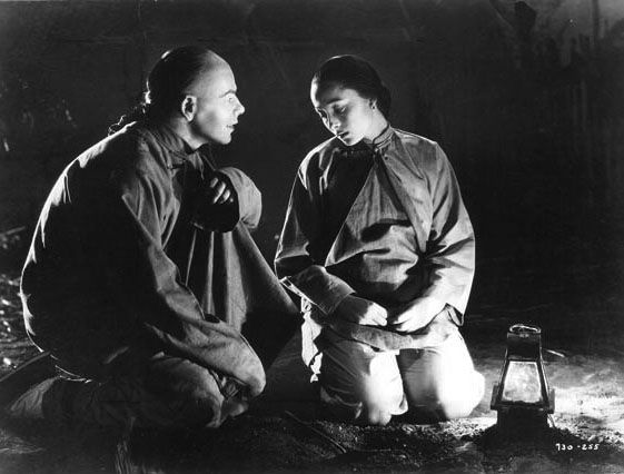 """""""The Good Earth"""" by Sidney Franklin (1937) - Paul Muni & Luise Rainer"""