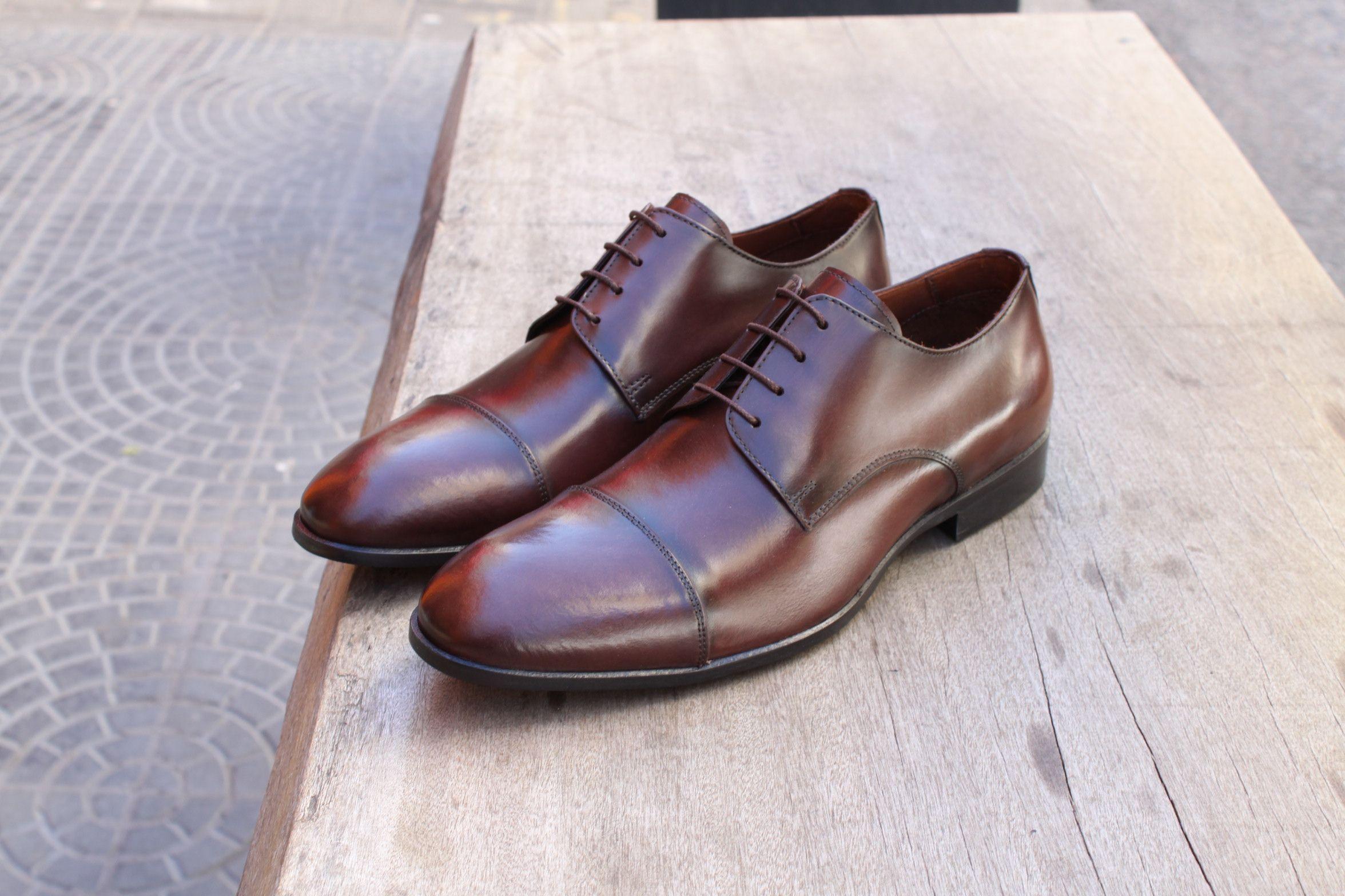 9b31036ef Sapato Social Masculino Derby CNS Henri em Couro cor Mouro, com sola de  couro e