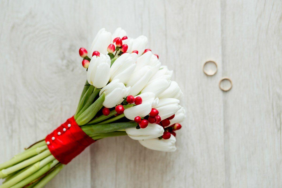 Оптом цена, букет невесты из маленьких тюльпанов фото
