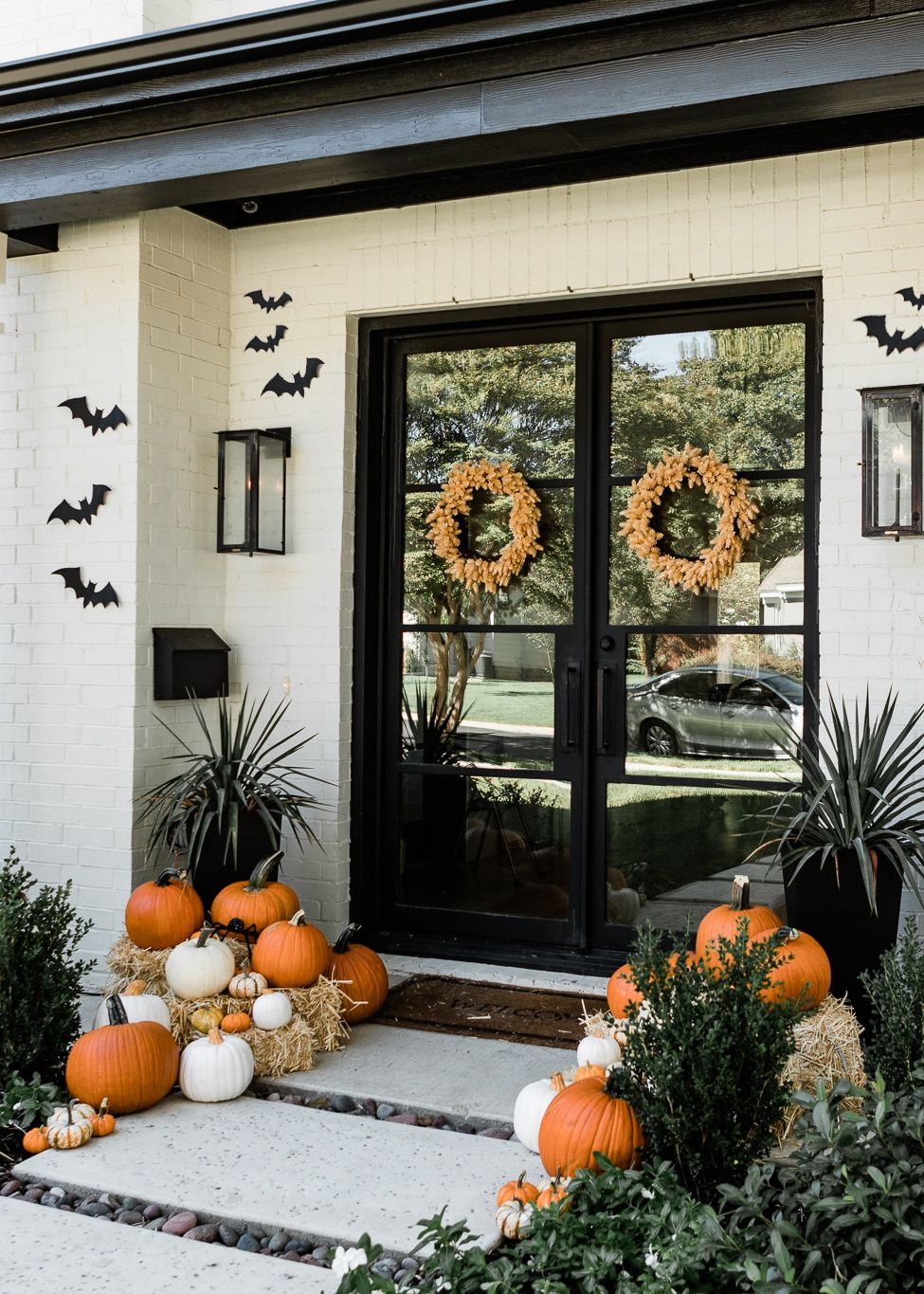 Chic but Cool Halloween Decorations   The Teacher Diva: a Dallas Fashion Blog featuring Beauty & Lifestyle