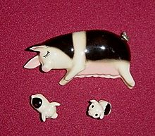 Hagen Renaker Sleeping Mama Pig With Two Spotted Baby Piglets Baby Piglets Collectible Figurines Pig
