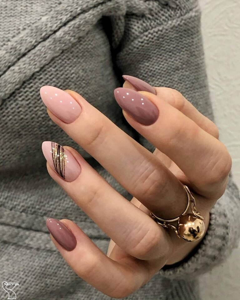 59 New Year S Nail Art Designs Beautiful And Fashionable For Winter Want Beautiful Attractive Nail Ar In 2020 Almond Nails Designs Short Nails Art Cute Acrylic Nails
