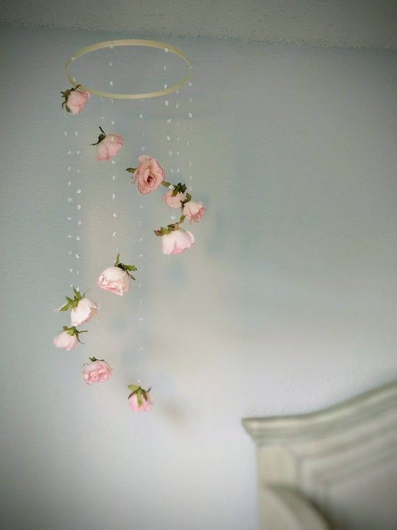Rose Baby Girl Mobile – Floral Nursery Mobile – Flower Baby Mobile – Rose Nursery Decor – Crib Hoop Hanging – Cot Mobile