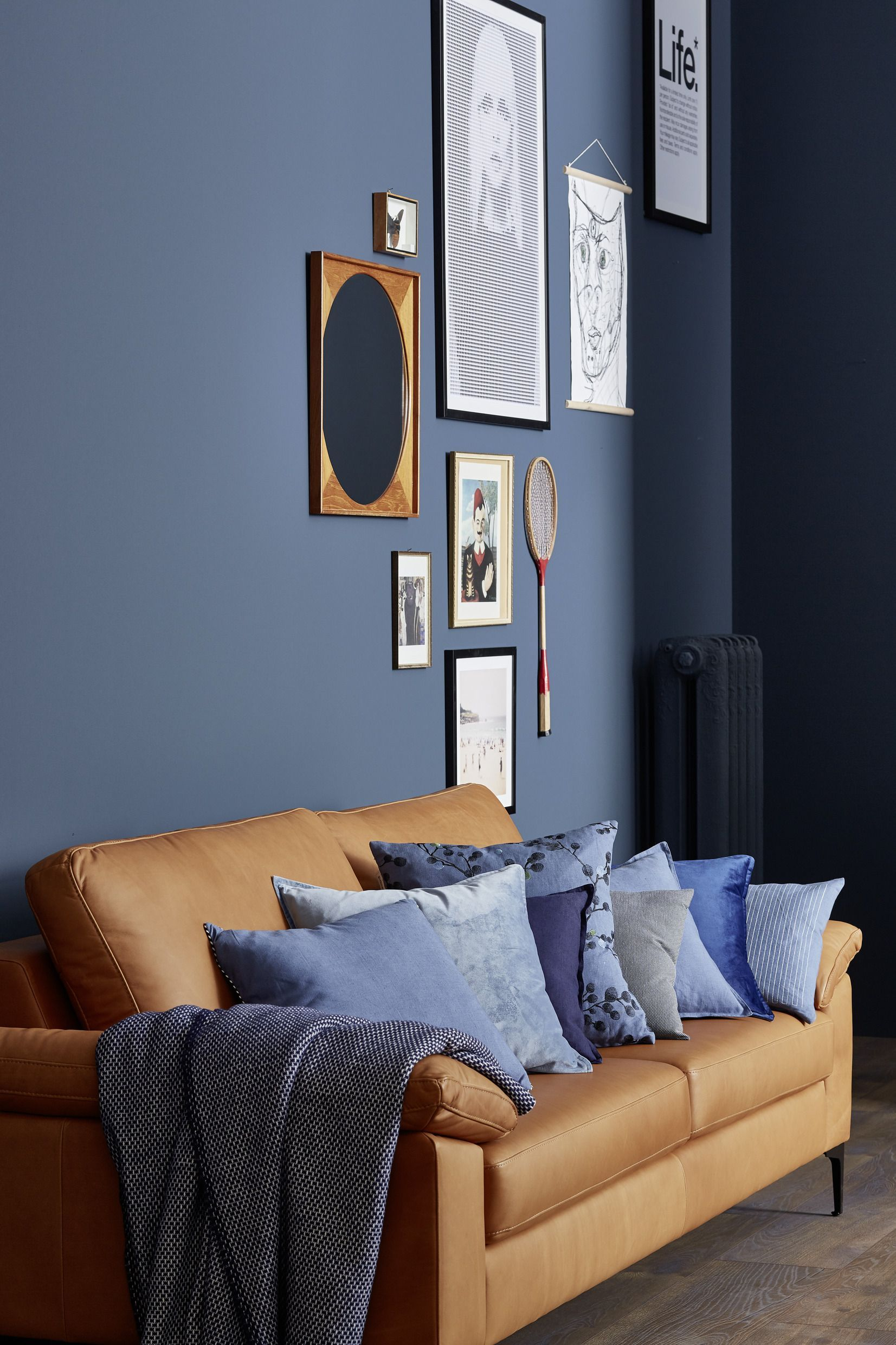 Blueberry Beautiful Living Trend Colors The Blue Black Of The Schoner Wohnen Trend Color Blueberry Mak In 2020 With Images Green Sofa Living Room Home Decor Living Room Decor