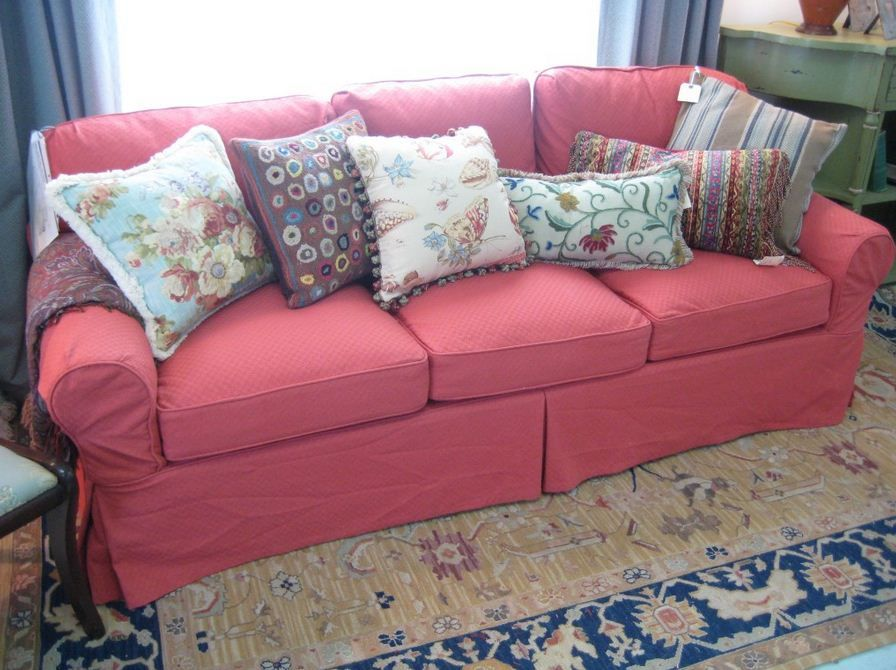 Fantastic Pink Couch Living Room Floral Art Cushion Blue Curtain ...