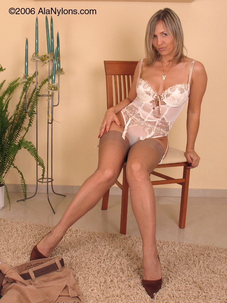 Hottest Rhiannon White Pantyhose Footjob Movies
