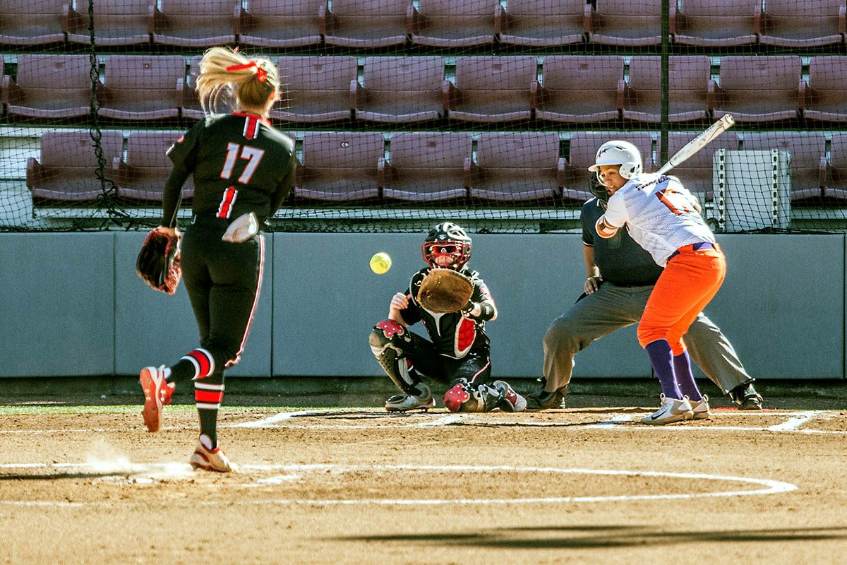 APSU Softball secures 10 win at Tennessee Chattanooga