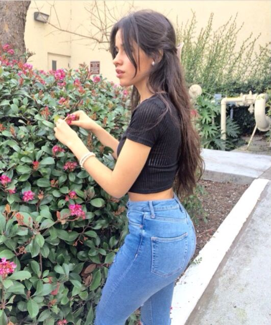 Her Ass Is Soooo Fake Xd Preciosidades Pinterest