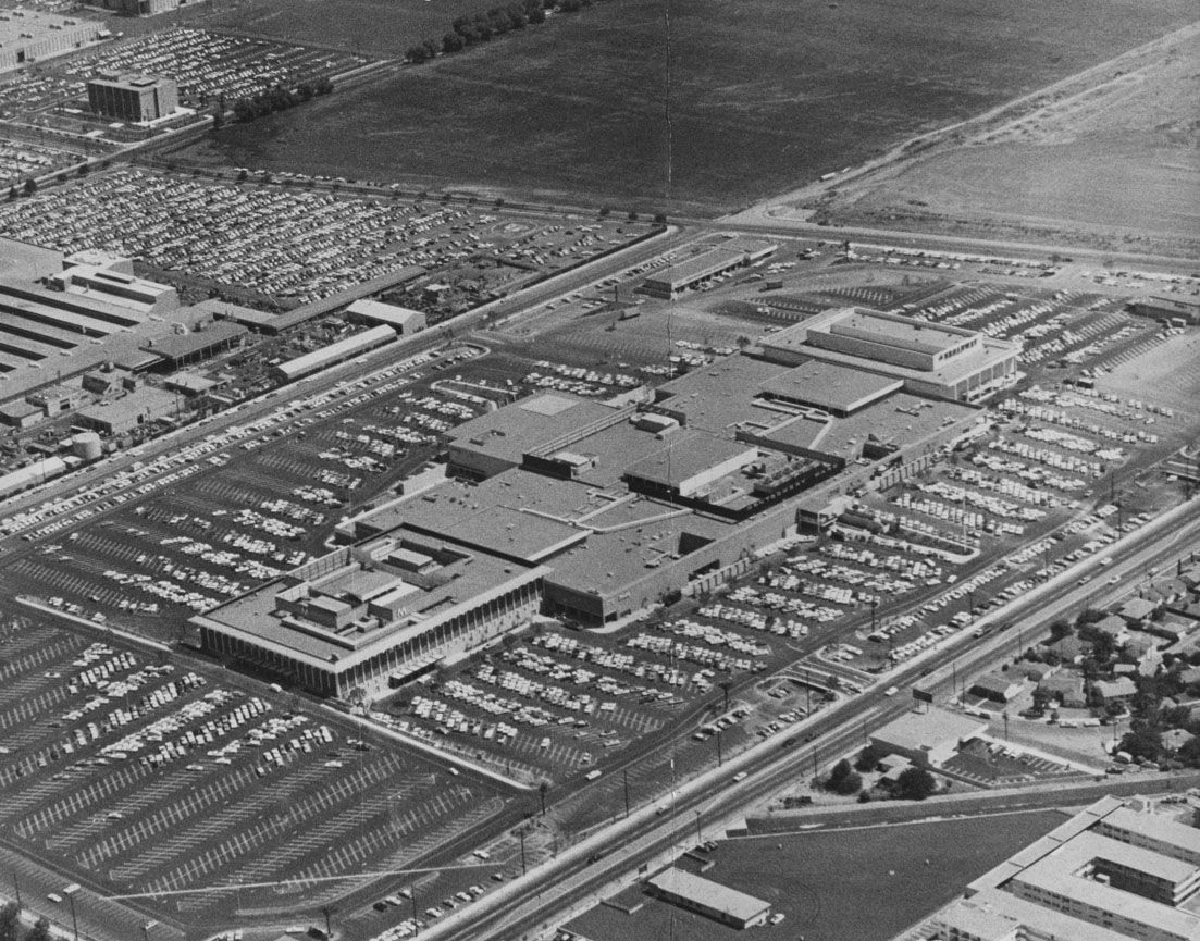 Topanga Plaza Canoga Park Ca Opened In 1964 Was The First