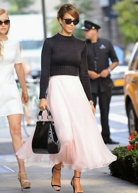 Love how this is so very Audrey. Jessica Alba's Style
