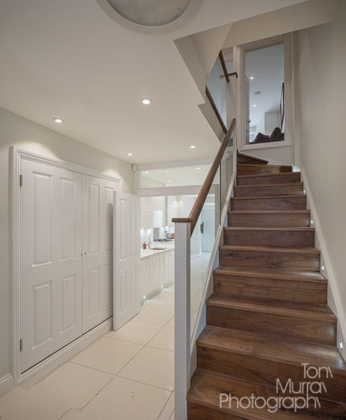 Best Walnut Stairs Smooth Glass Balustrade No Bulky Metal 400 x 300
