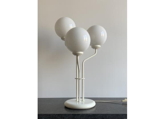 Lampe De Table Trois Tetes Boule Opaline Blanche Lampes De Table Tete De Et Boule