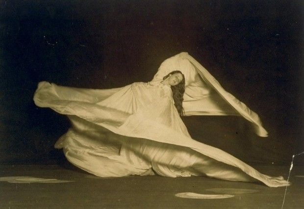 Loïe Fuller, 1862-1928, pioneer of modern dance & theatrical lighting