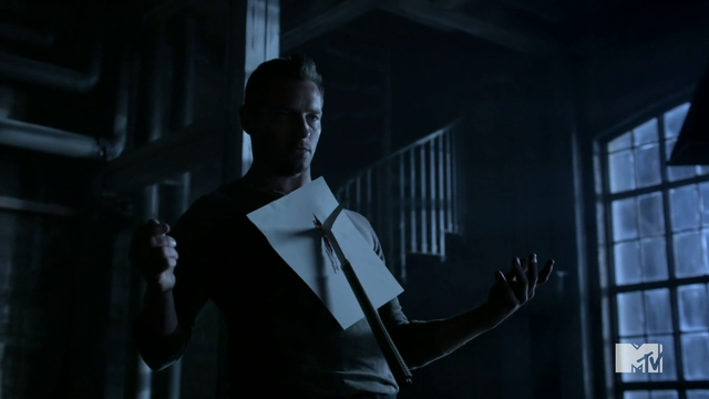 File:Teen Wolf Season 4 Episode 4 The Benefactor Peter meets Tomahawk.png