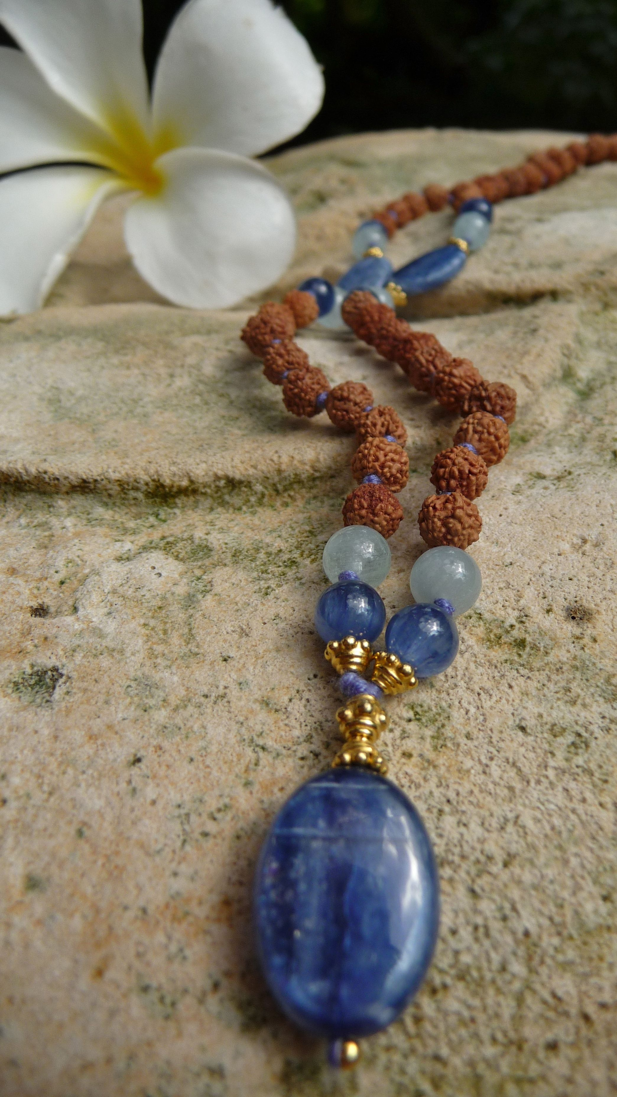 Divine collection by Mala Spirit Spiritual Guidance mala | rudraksha - kyanite - aquamarine | #yoga #meditation #mala #jewelry